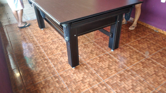 Mesa Tentação Sinuca Cor Preta Tecido Preto e Borda Amarela Mod. SLEU7913