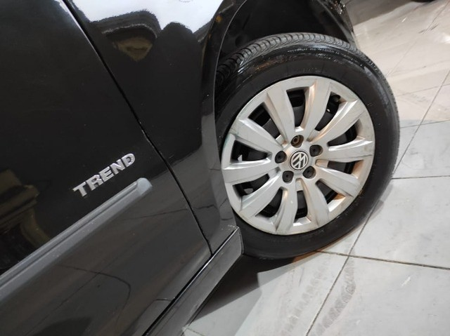 Fox 1.0 2014 Trend 4 portas Direção hidráulica Ar condicionado - Foto 9