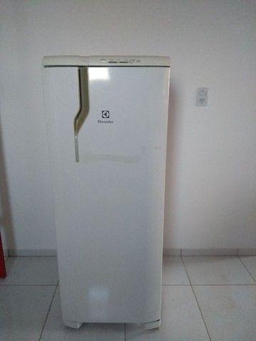 Vendo urgente geladeira - Foto 4