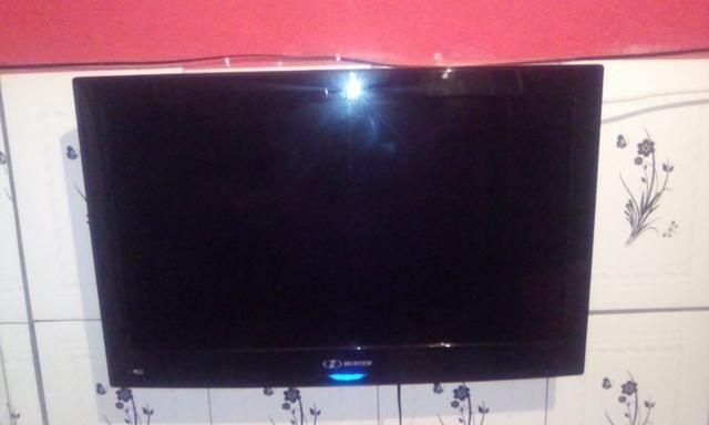 TV 32 polegadas HBUSTER usada