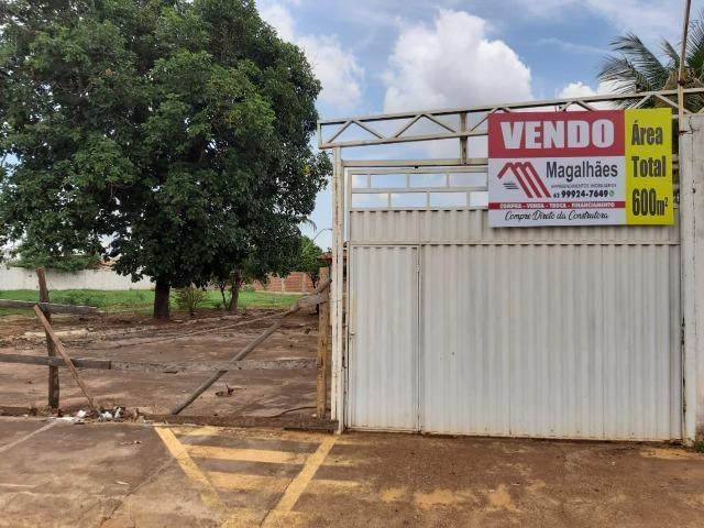 600 metros quadrados área 100% comercial de frente para GO 070 em Goianira urgente !