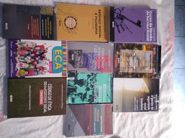 Vendo Combo de livros de Serviço Social