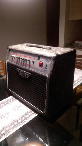 Amplificador Warm Music 208 gtv