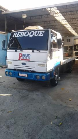 Ford cargo 712 reboque