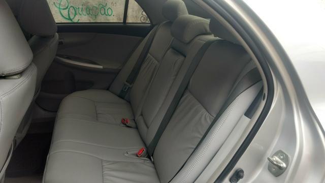 Toyota Corolla 1.8 GLI 2012 AUT extra! banco de couro, aceito motos e carros menor valor - Foto 11