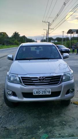 Toyota Hilux SRV 4x4 automatica 2015