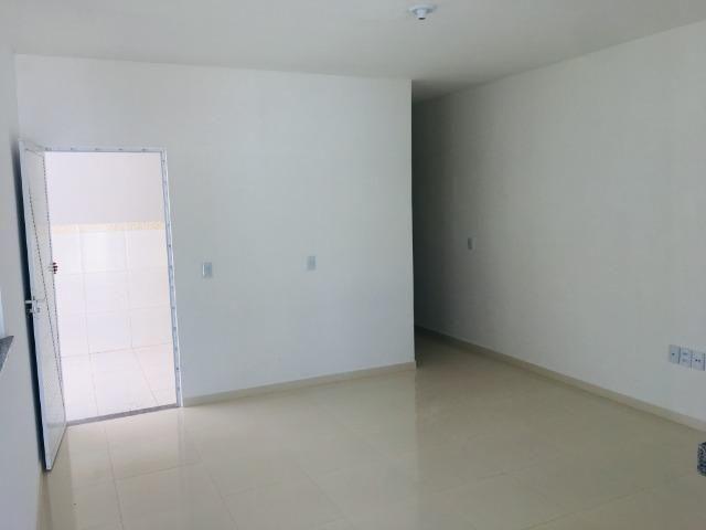 Linda casa com documentação gratis:fino acabamento, 3 quartos , 2 banheiros , 3 vagas - Foto 8