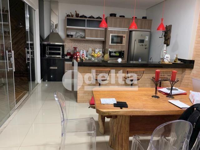Casa de condomínio à venda com 3 dormitórios em Gávea, Uberlândia cod:33993