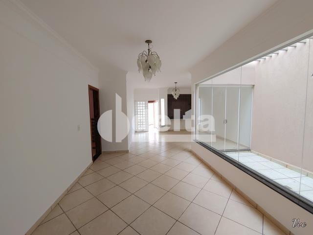 Casa à venda com 3 dormitórios em Presidente roosevelt, Uberlândia cod:33959