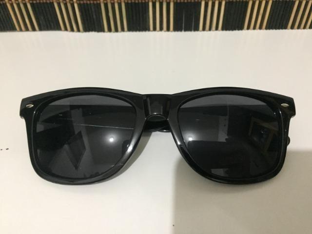 (Aceito cartão) Óculos modelo Wayfarer unissex - Lente: Preta - Estilo Ray Ban - Foto 2