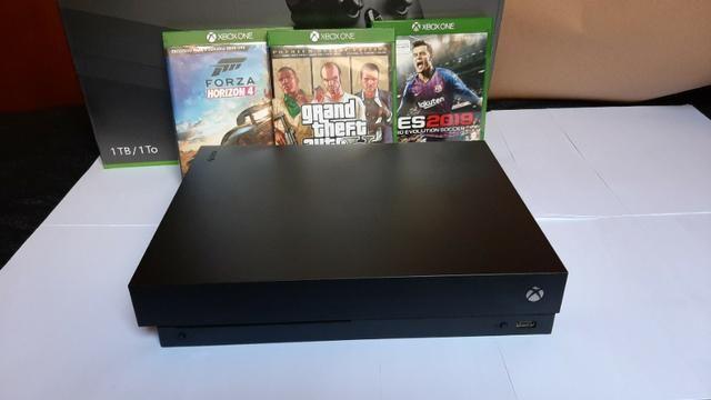 Console Xbox one X + 3 jogos - Foto 2