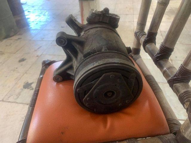 compressor ventoinhas e bomba de direcao omega australano - Foto 3