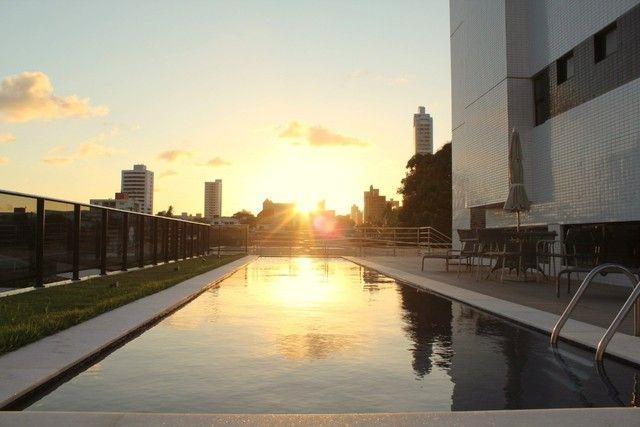 Apartamento para venda possui 52m² quadrados com 2 quartos em Miramar - João Pessoa - PB