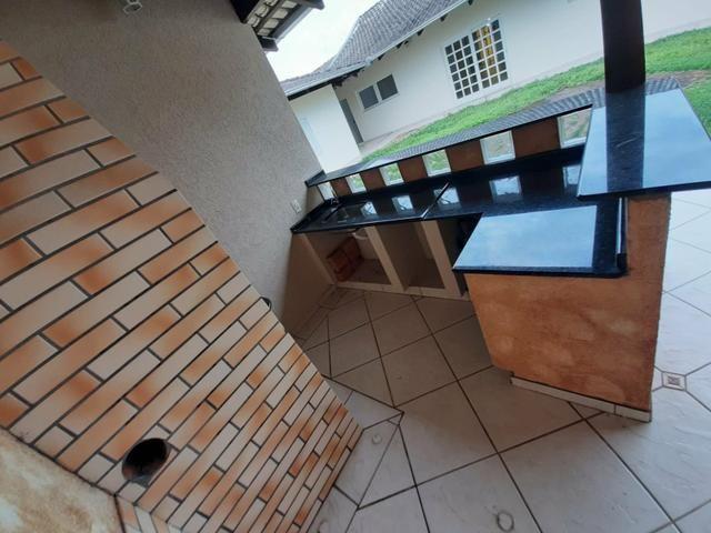 Aluga-se Linda Casa Velha - Foto 2
