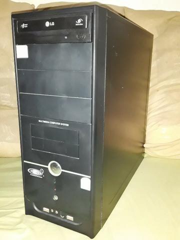 Computador Desktop com Monitor