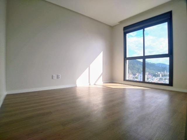 Amplo Apartamento 3 Dormitórios(1Suíte+2D) + Lavabo com 2 Vagas no Centro de Itajaí! - Foto 11