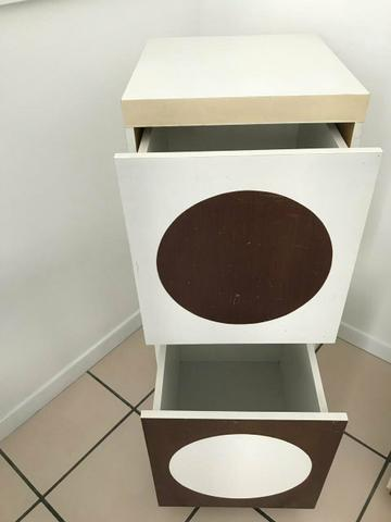 Lindos armários com gavetas e rodinhas - Foto 3