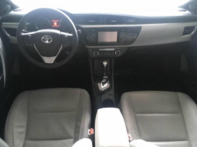Toyota Corolla Sedan Xei  - Foto 7