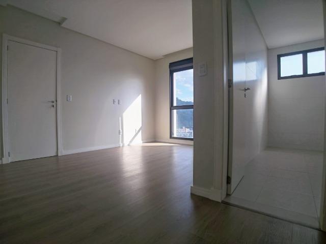 Amplo Apartamento 3 Dormitórios(1Suíte+2D) + Lavabo com 2 Vagas no Centro de Itajaí! - Foto 15