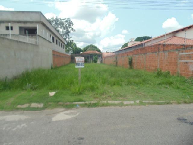 Vende-se terreno (em Bairro Nobre e com o menor valor por m2 da região)