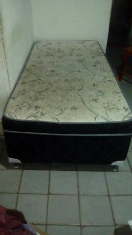 Cama unibox de solteiro usada