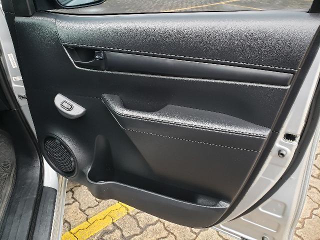 Toyota Hilux STD 2.8TDi 4x4 - Foto 10