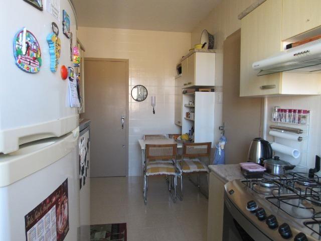 Apartamento três dormitórios,quarto andar - Foto 3