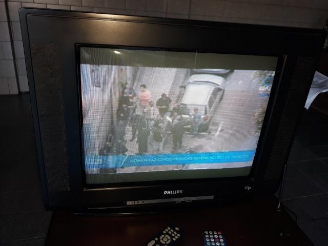 "Televisor Phillips tubo 21"" tela plana Stereo com controle - Foto 3"