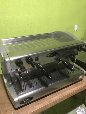 Máquina de café expresso com moinho