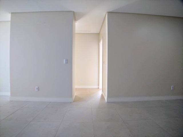 Amplo Apartamento 3 Dormitórios(1Suíte+2D) + Lavabo com 2 Vagas no Centro de Itajaí! - Foto 10