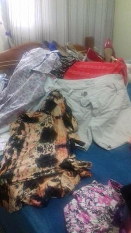 Lota de roupa feminino