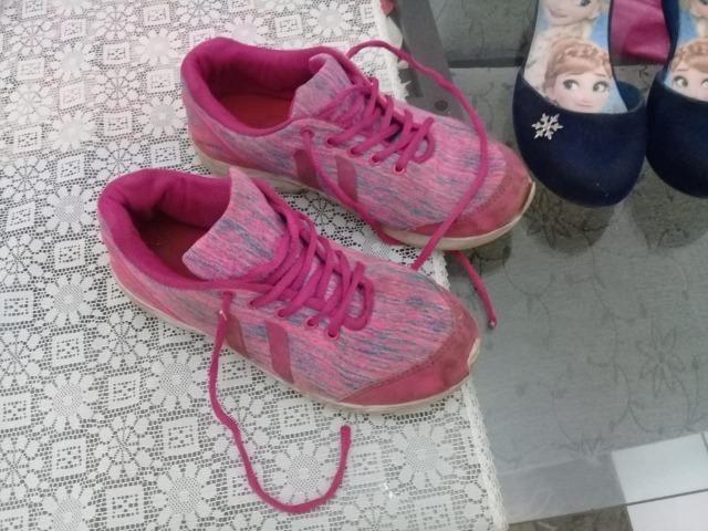 f03bd4abbb0 Tênis e sandália tamanho 34 - 2 pares por 30 reais !! - Artigos ...