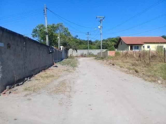 T Ótimo Terreno no Bairro Itatiquara em Araruama/RJ - Foto 2