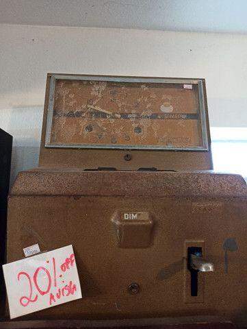 Relógio de bater ponto antigo no estado DIMEP