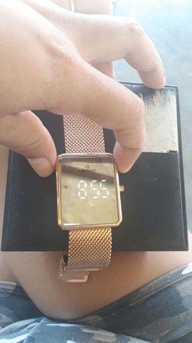 Vendo relógio tipo espelho digital... - Foto 4