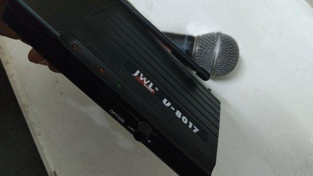 Microfone sem fio com central e fonte