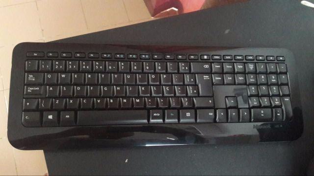 Teclado Wireless Desktop 800 - Microsoft