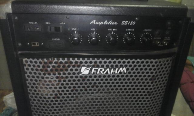 Guitarra Thunder E caixa Amplificada