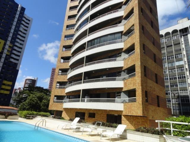 AP0295 - Apartamento 154 m², 02 quartos, 02 vagas, Ed. Victor VIII - Meireles