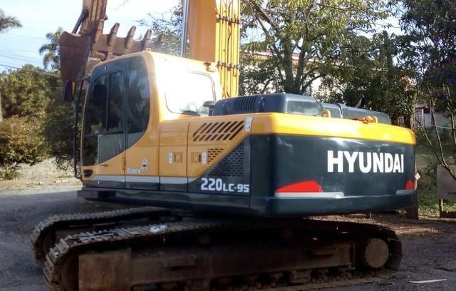 Escavadeira hyundai 220 lc-9s - Foto 2
