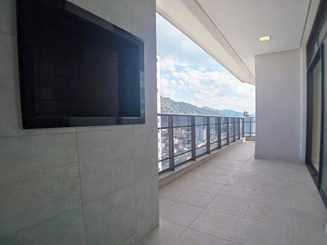 Amplo Apartamento 3 Dormitórios(1Suíte+2D) + Lavabo com 2 Vagas no Centro de Itajaí! - Foto 8