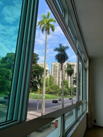 Espetacular Praia do Flamengo 4 quartos com garagem Vista Livre 200 m²
