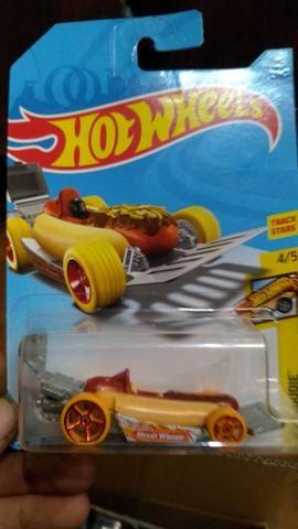 Hot dog wheels
