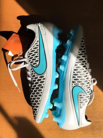 Chuteira Campo Nike Magista