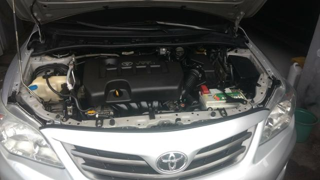 Toyota Corolla 1.8 GLI 2012 AUT extra! banco de couro, aceito motos e carros menor valor - Foto 7