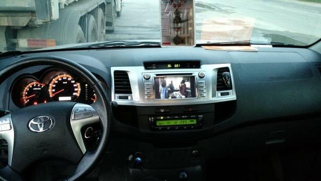 Toyota Hilux SRV 4x4 automatica 2015 - Foto 12