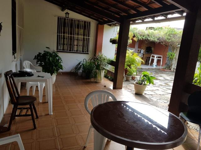 Casa na Pituba com 4/4 e 360m²