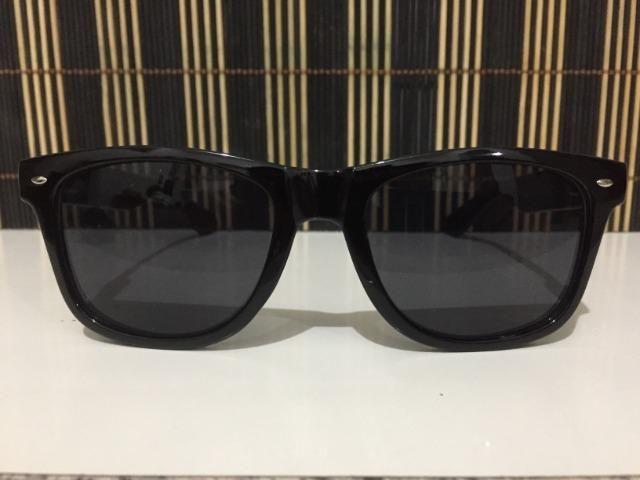 (Aceito cartão) Óculos modelo Wayfarer unissex - Lente: Preta - Estilo Ray Ban