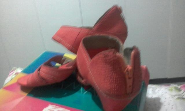 Sandália diferenciada coleção Ramarim / cor quase laranjada / meio salmon / tamanho-38 - Foto 2