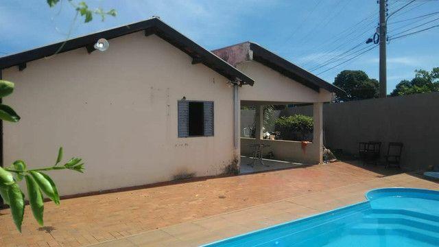 Vendo ou troco casa de esquina com piscina em condomínio fechado - Foto 11